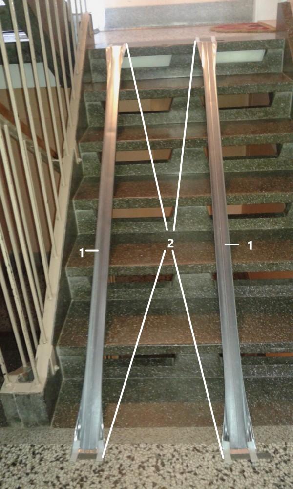 notranja odstranljiva klančina za stopnice